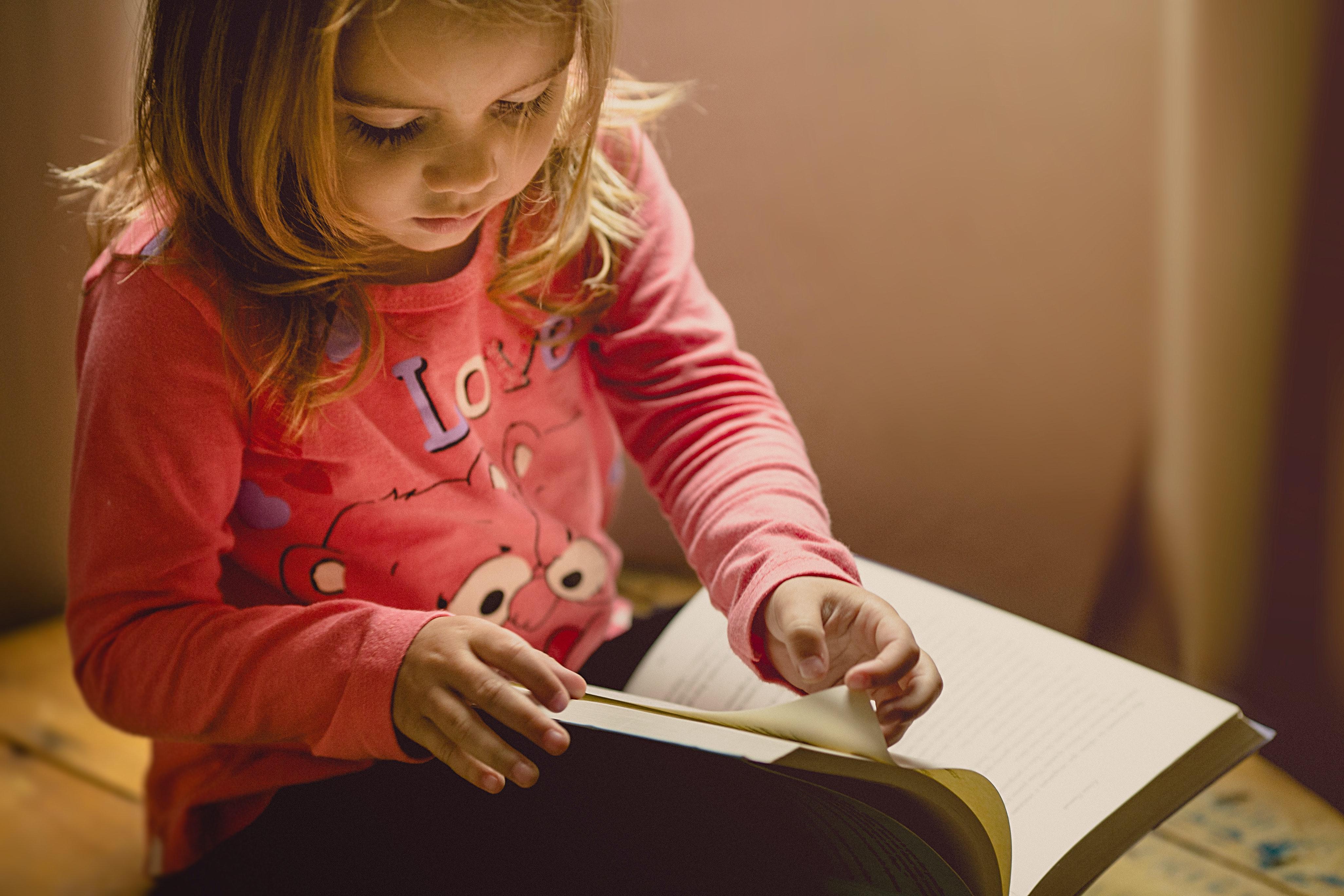 Apprendre à lire et travailler la fluidité de la lecture, nos astuces